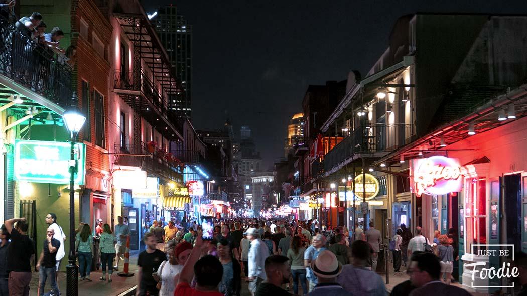 Bourbon-Street-Noche NEW ORLEANS