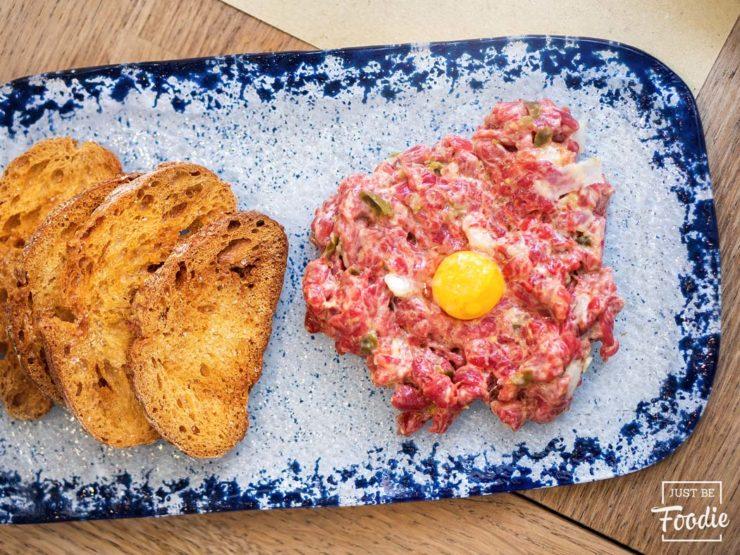 LA LORENZA steak tartar carne
